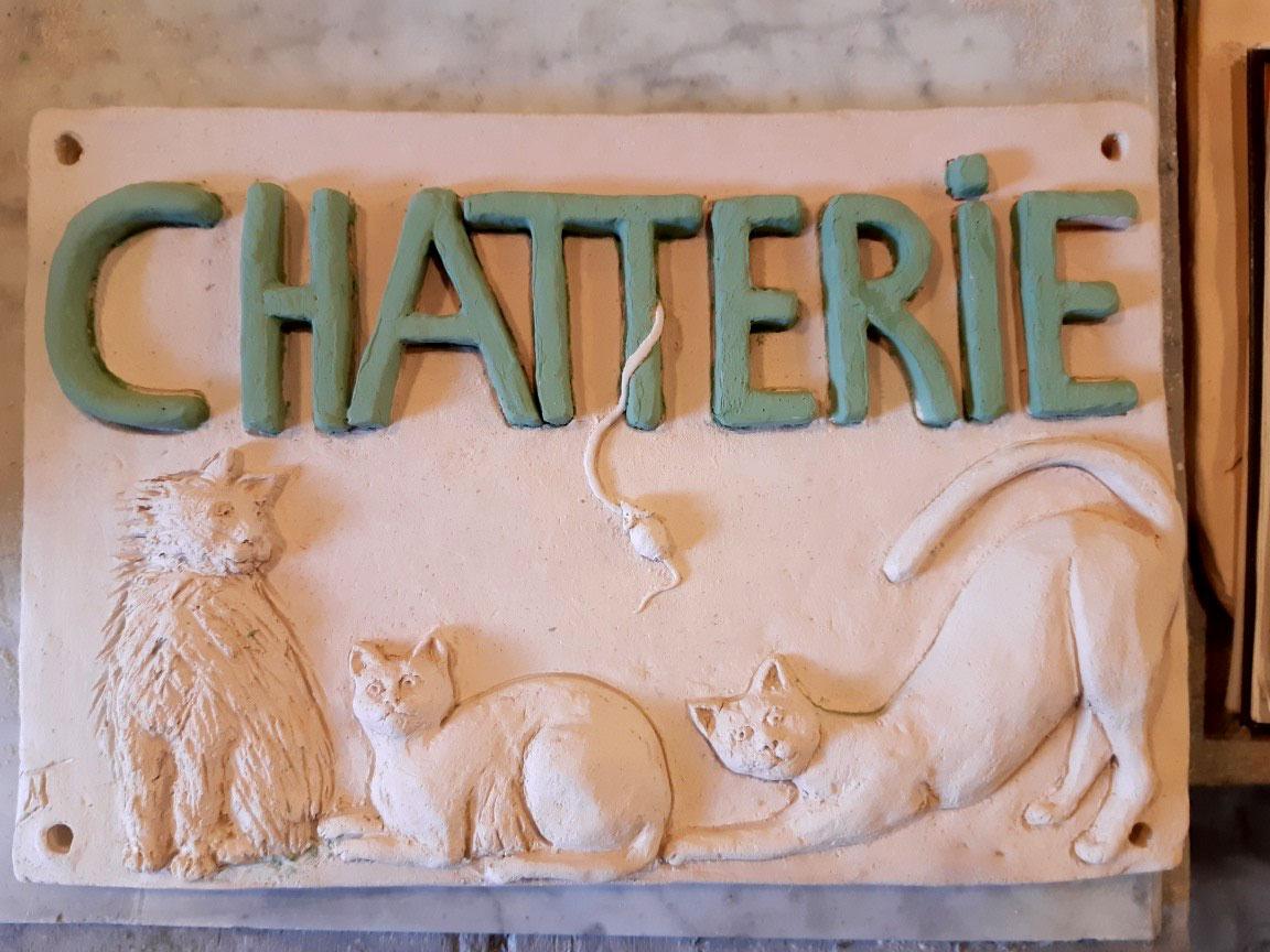 plaques sculpture chats